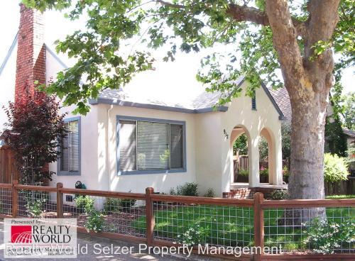912 W Clay Street #HOUSE Photo 1