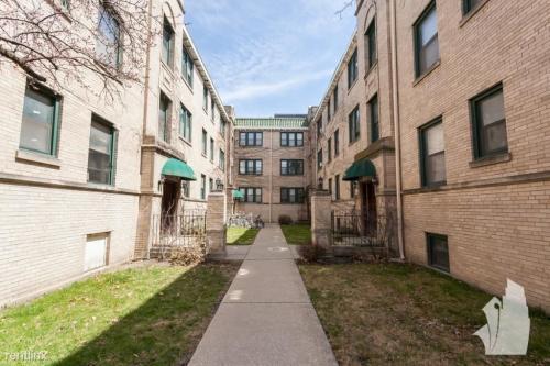 4841 N Wolcott Avenue Photo 1
