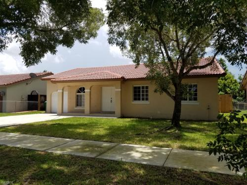18216 SW 154th Place Photo 1