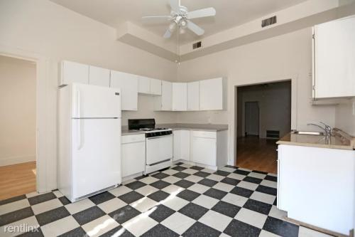 2138 N Halsted Photo 1