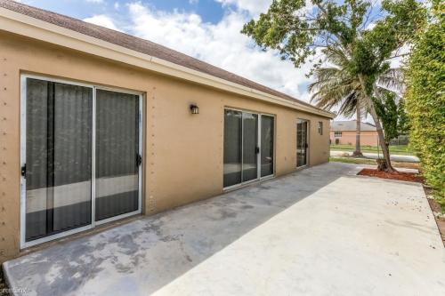 18137 SW 138th Place Photo 1