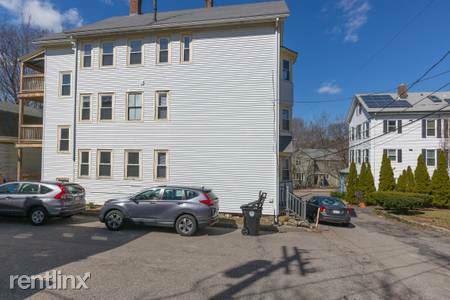 Eliot Avenue Photo 1