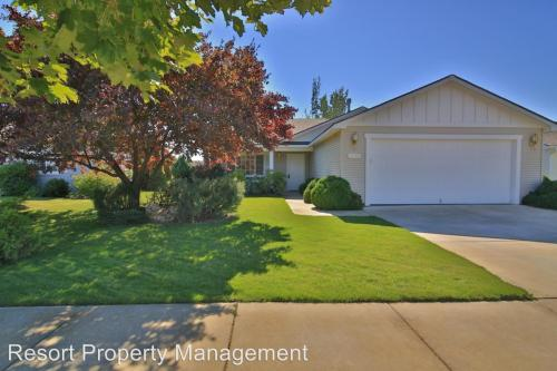 2086 W Canfield Photo 1