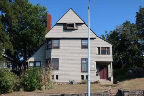 317 Fulton Street E Photo 1