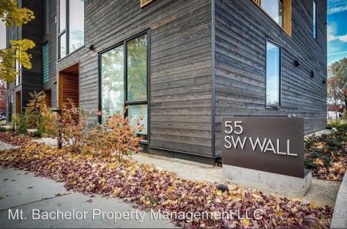 55 SW Wall Street #1A Photo 1