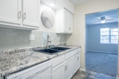 10724 W 88th Terrace Photo 1