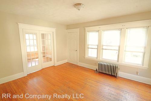45-47 Narragansett Street 2nd Floor Photo 1