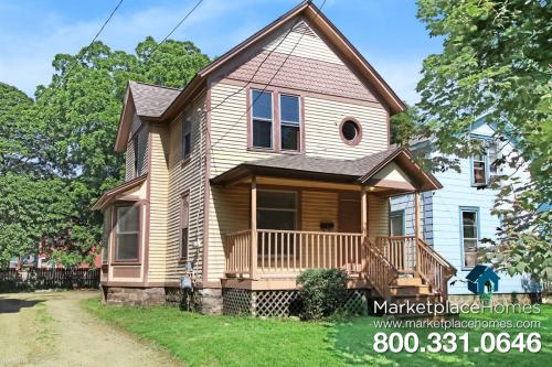 718 Oak Street Photo 1