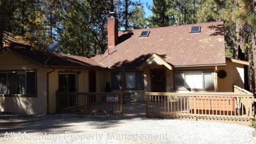 41490 Oak Street Photo 1