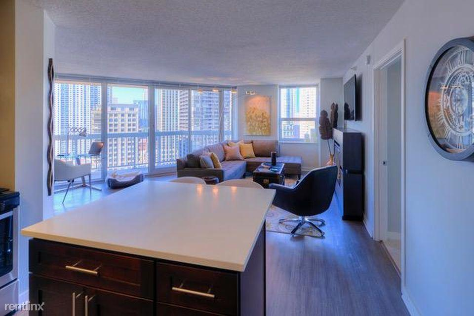 555 N State, Chicago, IL 60654 | HotPads