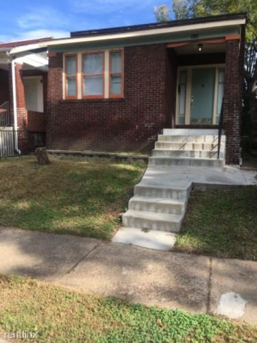 31xx Rolla Place Photo 1