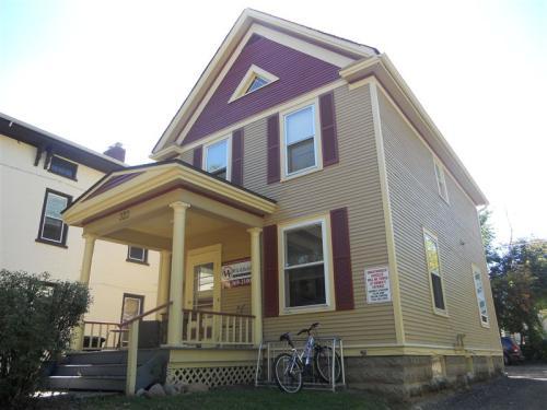 322 Catherine Street Photo 1