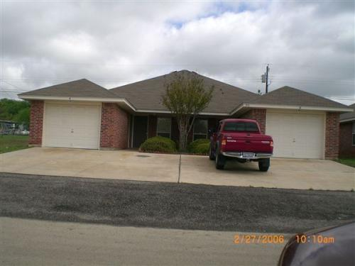 923 Rosewood Drive Photo 1