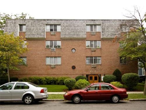2223 E Belleview Place Photo 1