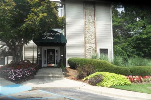 2501 Mountain Lodge Circle Photo 1