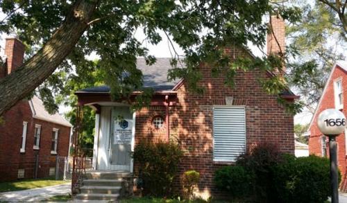 16561 Oakfield Street Photo 1