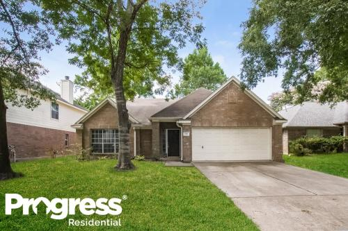 5741 Forest Timbers Drive Photo 1