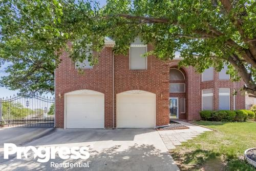 7840 Clover Leaf Drive Photo 1