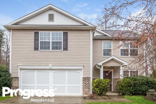 2980 Whittier Way Photo 1