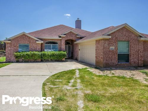 6428 Canyon Lake Drive Photo 1