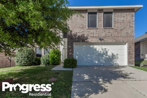 4964 Creek Ridge Trail Photo 1