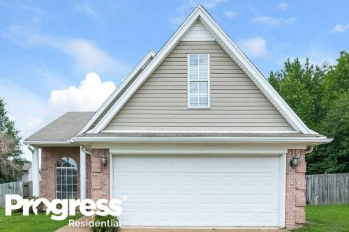 9826 Dogwood Court E Photo 1