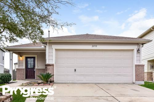 20718 Cypress Crescent Lane Photo 1