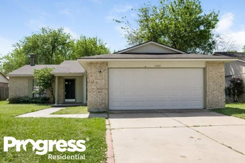 17319 Northern Star Drive Photo 1