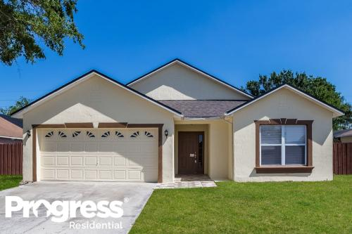 2372 Queenswood Circle Photo 1