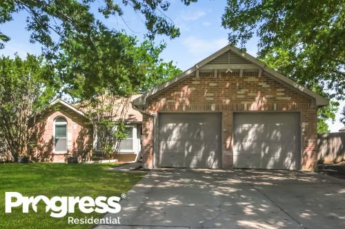 1503 Waxwing Court Photo 1