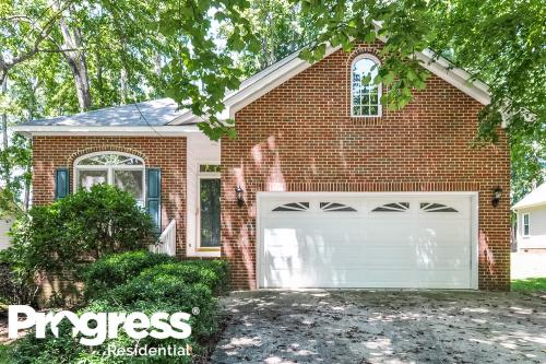 407 Westminster Drive Photo 1