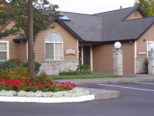 18480 SW Boones Ferry Road Photo 1