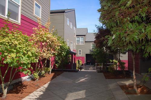 1819-1836 SW 18th Avenue 1836 Photo 1