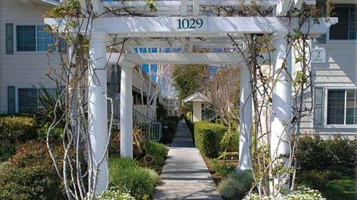 1029 Meridian Avenue Photo 1