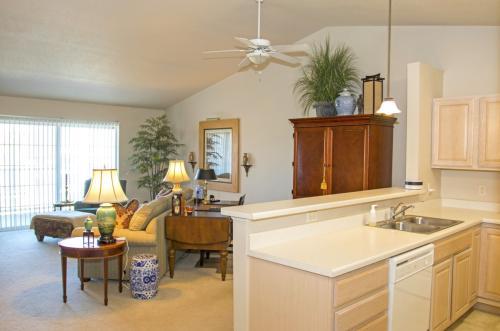 Royal Oak Apartments Photo 1