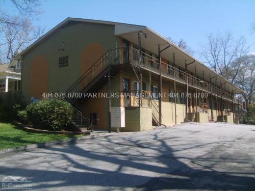 520 Park Ave NE Photo 1