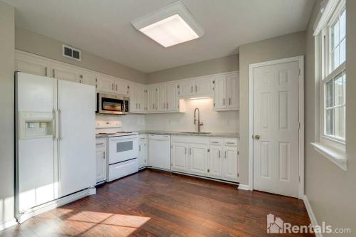 314 Brentwood Pointe Photo 1