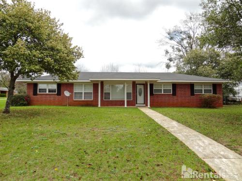 101 Willow Drive Photo 1