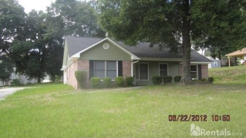 170 Rolling Pines Dr Photo 1