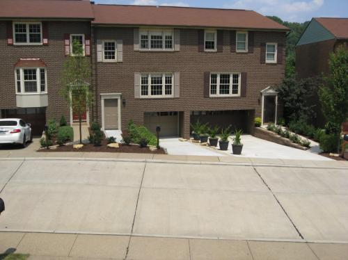 209 London Towne Drive Photo 1