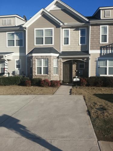 6416 Ellenwood Drive Photo 1