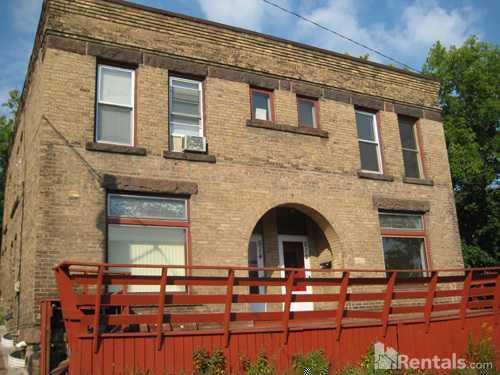 512 N 1st Avenue W Photo 1