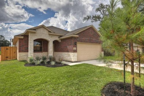 2202 Shady Tree Ln Photo 1