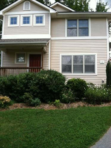 130 Downing Park Ct Photo 1