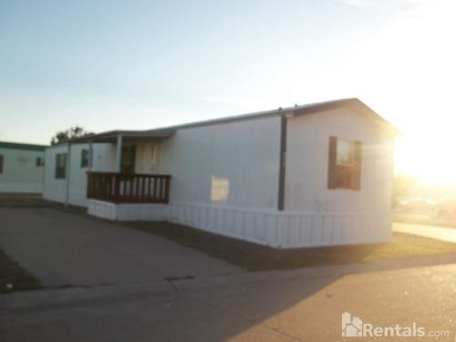 1204 Swan Dr Photo 1