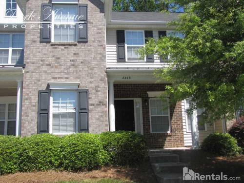 8438 Summerglen Circle Photo 1