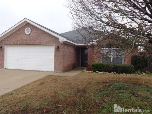 10509 Fossil Hill Dr Photo 1