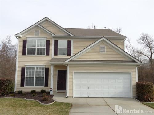 2330 Waters Trail Dr Photo 1