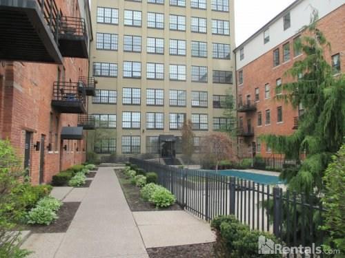 6533 E Jefferson Ave Photo 1