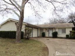 111 N Forest Crest Dr Photo 1